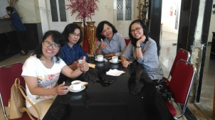 coffe time in surabaya